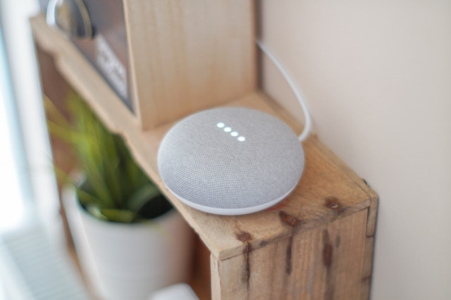 Google home mini, domótica en casa.